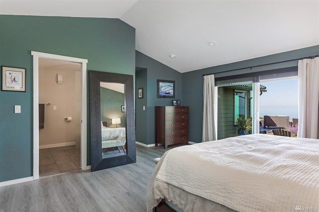 Million Dollar Home, Whidbey Island, Anita Johnston, Washington, Bedroom